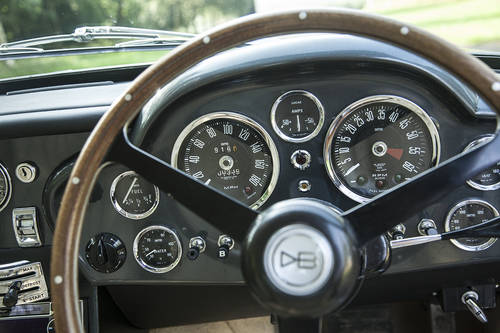 1971 Aston Martin DB6 MKII SOLD (picture 4 of 6)