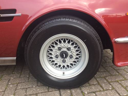 1981 Aston Martin V8 Saloon For Sale (picture 4 of 6)