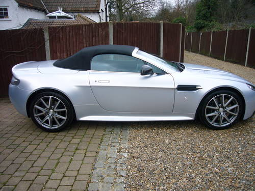 Vantage S Roadster, sportshift 11, 2012-62, 15k, 1 lady onr For Sale (picture 4 of 6)