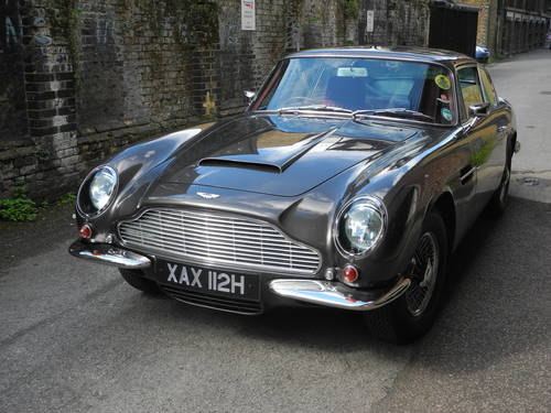 1970 Aston Martin DB6 Mk2 manual For Sale (picture 1 of 4)