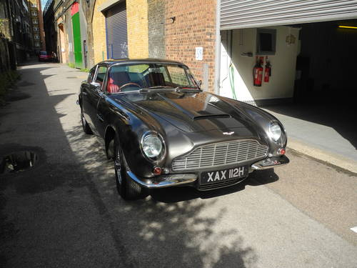 1970 Aston Martin DB6 Mk2 manual For Sale (picture 2 of 4)
