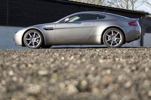2006 Aston Martin V8 Vantage 21,000 miles SOLD (picture 2 of 6)