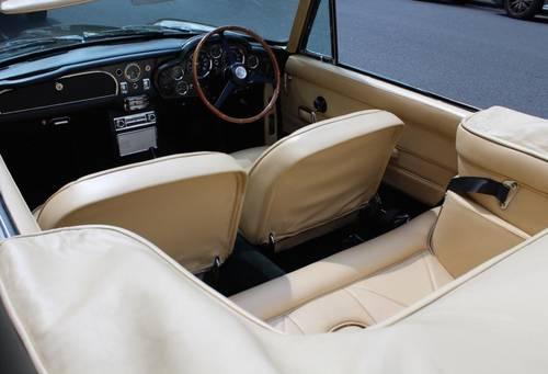 1968 Aston Martin DB6 Volante (RHD) For Sale (picture 5 of 6)