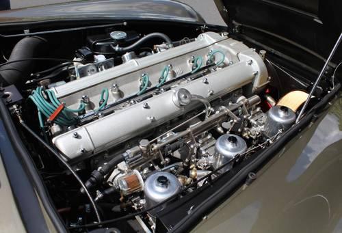 1968 Aston Martin DB6 Volante (RHD) For Sale (picture 6 of 6)