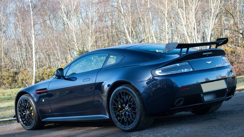 2018 Aston Martin V12 Vantage S Red Bull Racing Edition - Manual For Sale (picture 2 of 6)