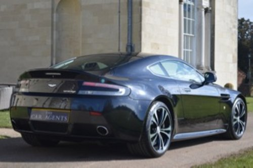 2011 Aston Martin Vantage V12 Carbon Edition - 19,600 Miles SOLD (picture 4 of 6)