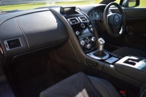 2011 Aston Martin Vantage V12 Carbon Edition - 19,600 Miles SOLD (picture 5 of 6)