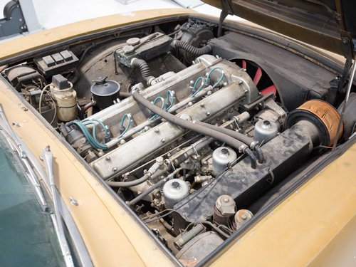 Aston Martin DBS (6-Cylinder) 1971 Manual For Sale (picture 4 of 5)