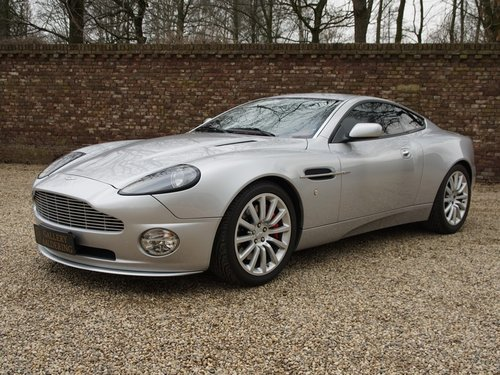 2004 Aston Martin Vanquish V12 only 49.752 kms! For Sale (picture 1 of 6)
