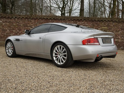 2004 Aston Martin Vanquish V12 only 49.752 kms! For Sale (picture 2 of 6)