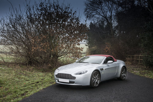 2009 Aston Martin V8 Vantage Roadster SOLD (picture 1 of 6)