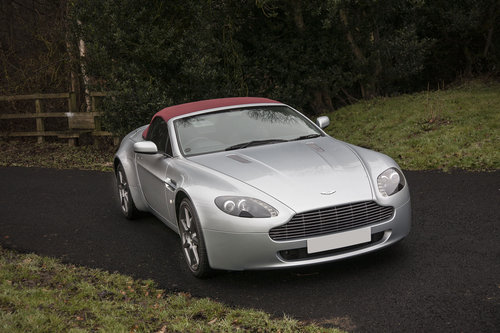 2009 Aston Martin V8 Vantage Roadster SOLD (picture 2 of 6)