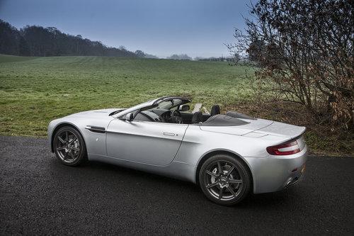 2009 Aston Martin V8 Vantage Roadster SOLD (picture 4 of 6)