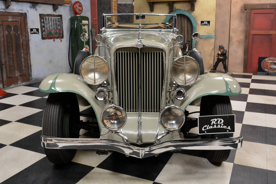 1933 Auburn 8-101 Phaeton Sedan / Top Restauriert For Sale (picture 2 of 6)