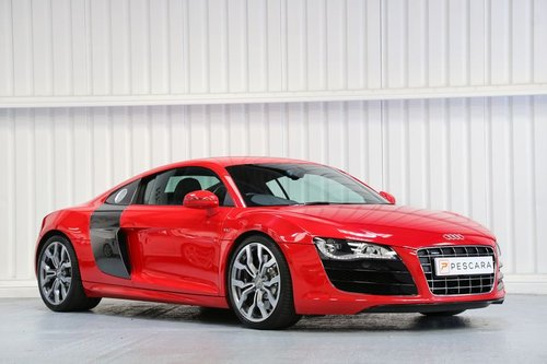 2010 Audi R8 5.2 FSI V10 - Flawless Example For Sale (picture 1 of 6)