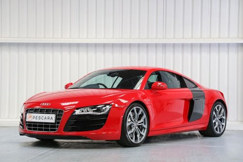 2010 Audi R8 5.2 FSI V10 - Flawless Example For Sale (picture 2 of 6)