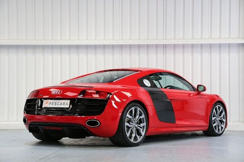2010 Audi R8 5.2 FSI V10 - Flawless Example For Sale (picture 3 of 6)