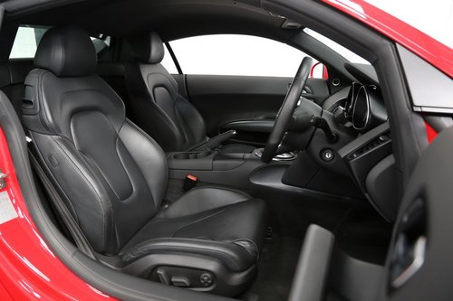 2010 Audi R8 5.2 FSI V10 - Flawless Example For Sale (picture 5 of 6)