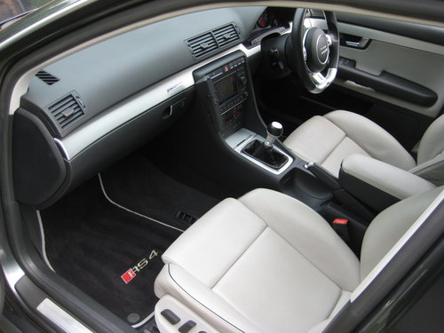 2007 Audi RS4 4.2 V8 Quattro Avant With Just 1 Owner Since 2008 For Sale (picture 3 of 6)