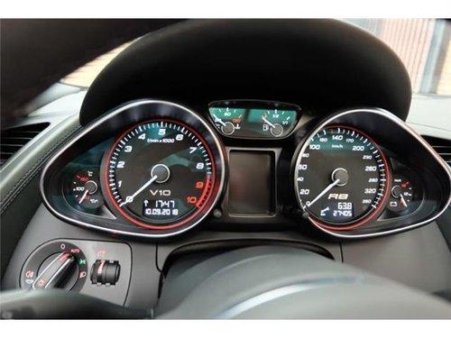 2010 Audi R8 V10 Spyder  For Sale (picture 3 of 5)