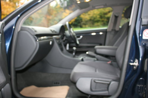 Audi A4 1.9 TDi SE.. 130 BHP.. 6-Speed.. Low Miles & FSH SOLD (picture 3 of 6)