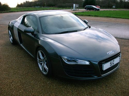 2007 Audi R8 4.2 V8 quattro Coupe with 6 speed manual gearbox For Sale (picture 1 of 6)