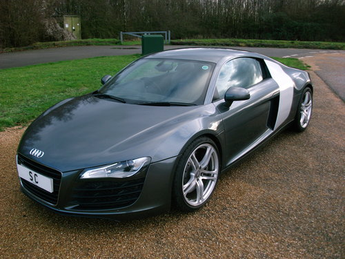 2007 Audi R8 4.2 V8 quattro Coupe with 6 speed manual gearbox For Sale (picture 4 of 6)