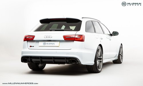 2013 AUDI RS6 AVANT // DYNAMIC PLUS PACK // CERAMIC BRAKES For Sale (picture 3 of 6)