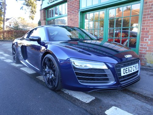 2013 Audi R8 Coupe 5.2 V10 PLUS S-Tronic  SOLD (picture 2 of 4)