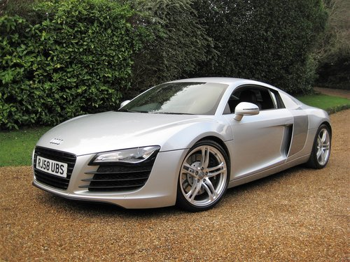 2008 Audi R8 Quattro With Only 30,000 Miles + R8 Luggage Set For Sale (picture 2 of 6)