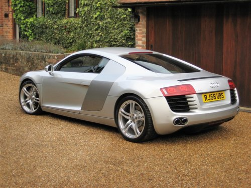 2008 Audi R8 Quattro With Only 30,000 Miles + R8 Luggage Set For Sale (picture 5 of 6)