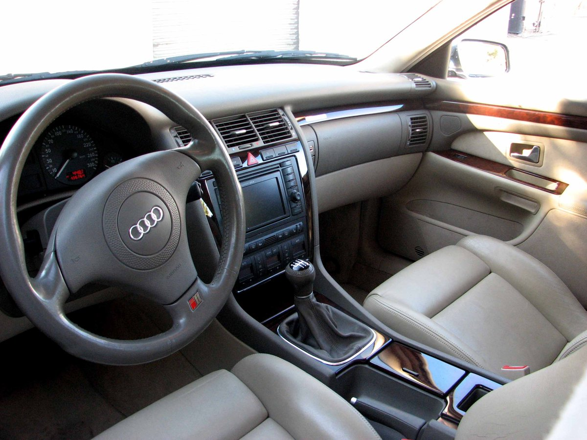 2000 Audi S8 D2 Final Edition Quattro Sport 360 Manual  For Sale (picture 3 of 6)