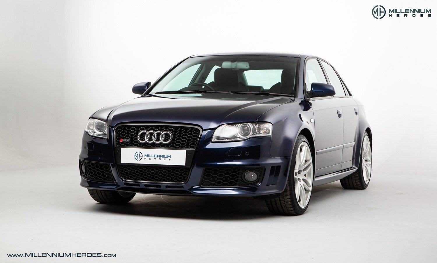 2007 AUDI B7 RS4 SALOON // EXCELLENT HISTORY // MUGELLO BLUE For Sale (picture 1 of 6)