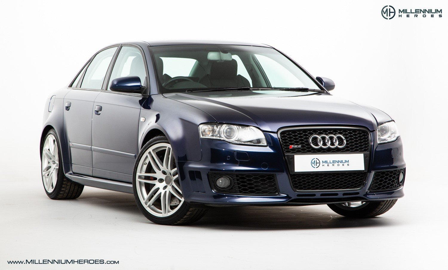 2007 AUDI B7 RS4 SALOON // EXCELLENT HISTORY // MUGELLO BLUE For Sale (picture 2 of 6)