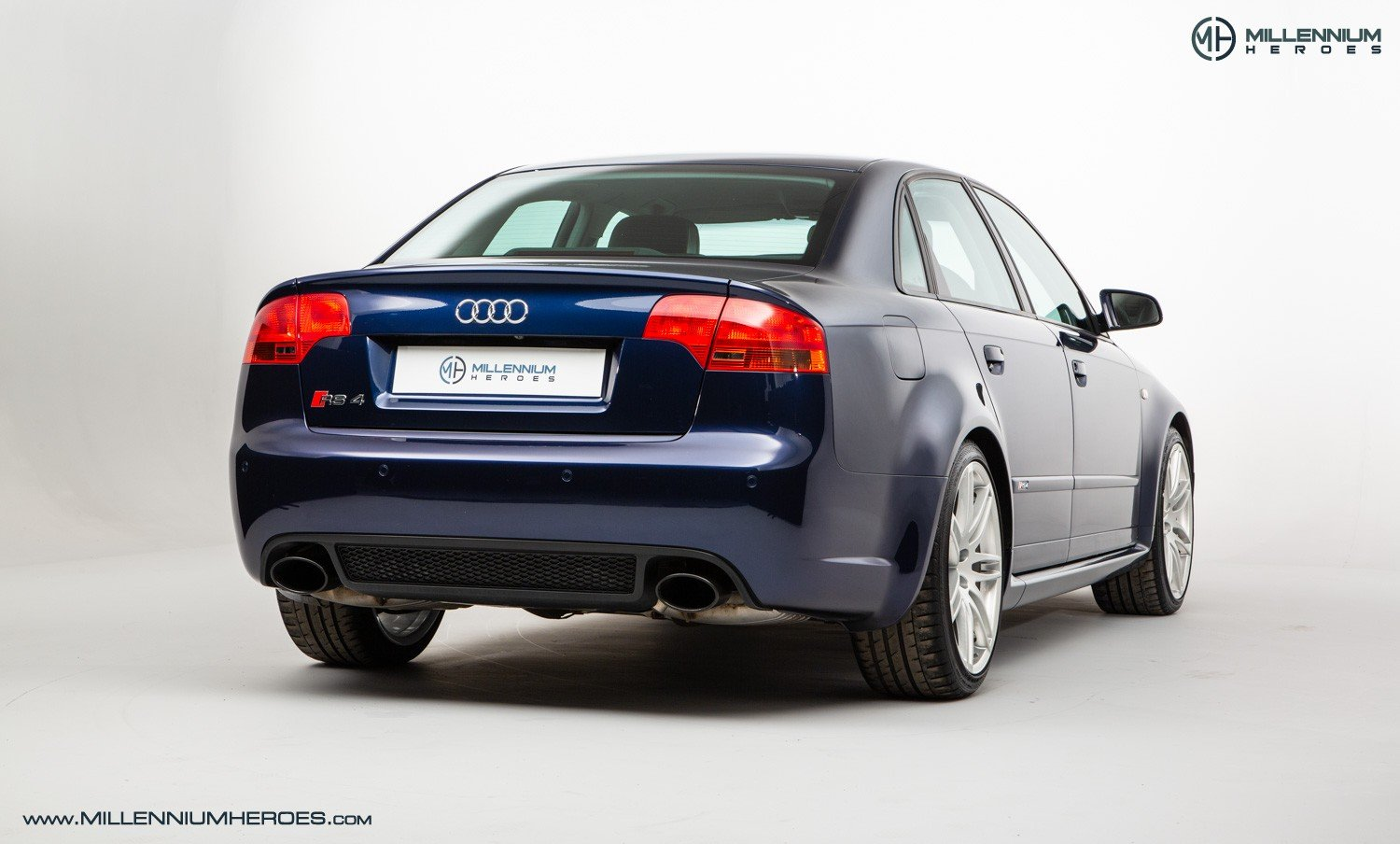 2007 AUDI B7 RS4 SALOON // EXCELLENT HISTORY // MUGELLO BLUE For Sale (picture 3 of 6)
