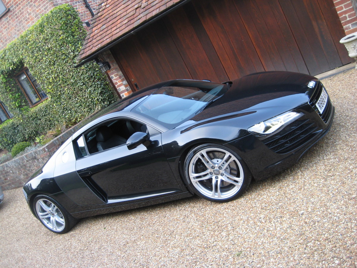 2008 Audi R8 Quattro 6 Spd Manual With Only 27,000 Miles From New For Sale (picture 1 of 6)