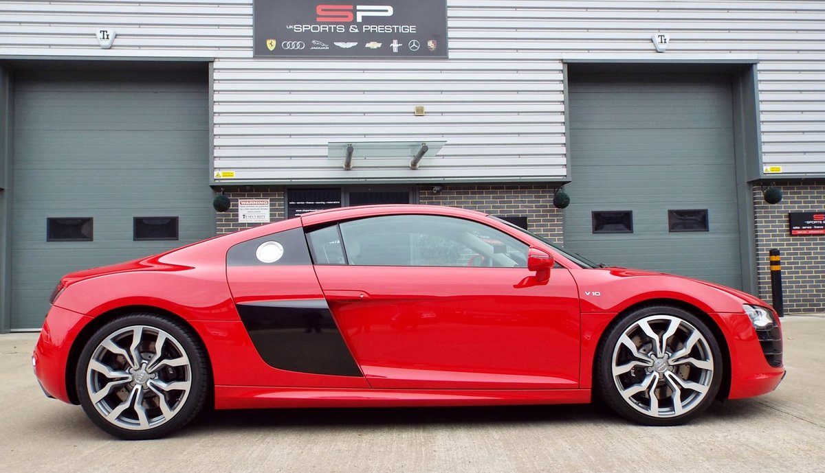 2010 Audi R8 5.2 V10 Manual Low Miles Great Example  For Sale (picture 4 of 6)