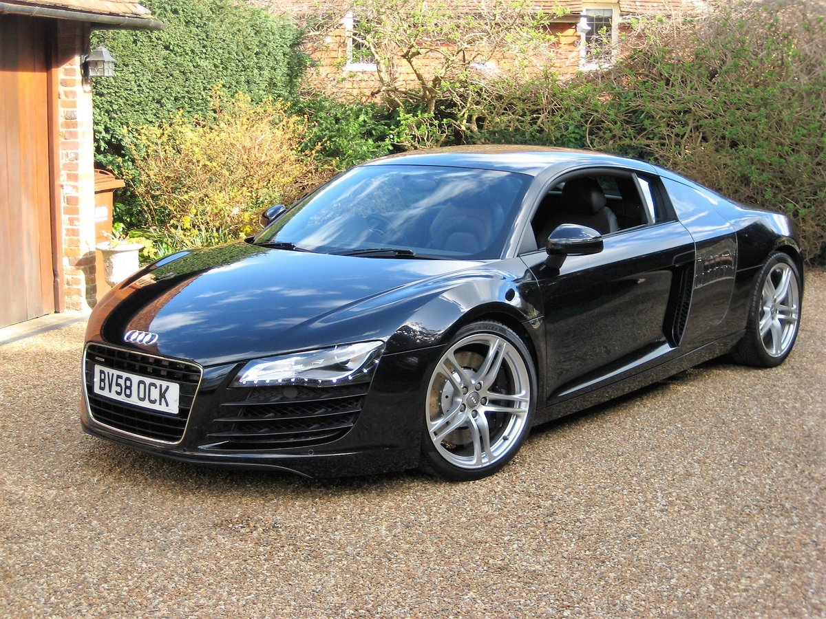 2008 Audi R8 Quattro 6 Spd Manual With Only 27,000 Miles From New For Sale (picture 2 of 6)