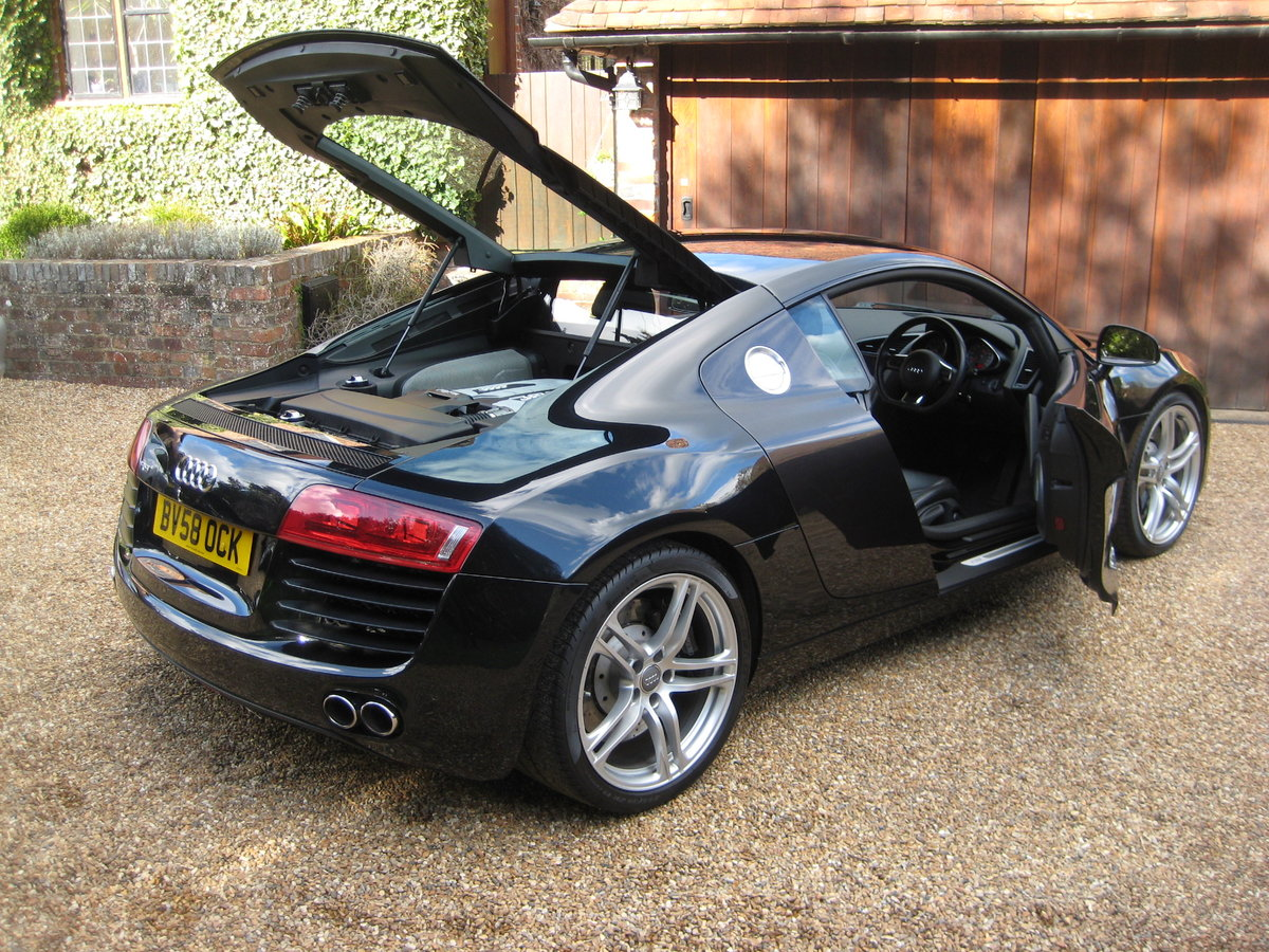 2008 Audi R8 Quattro 6 Spd Manual With Only 27,000 Miles From New For Sale (picture 6 of 6)