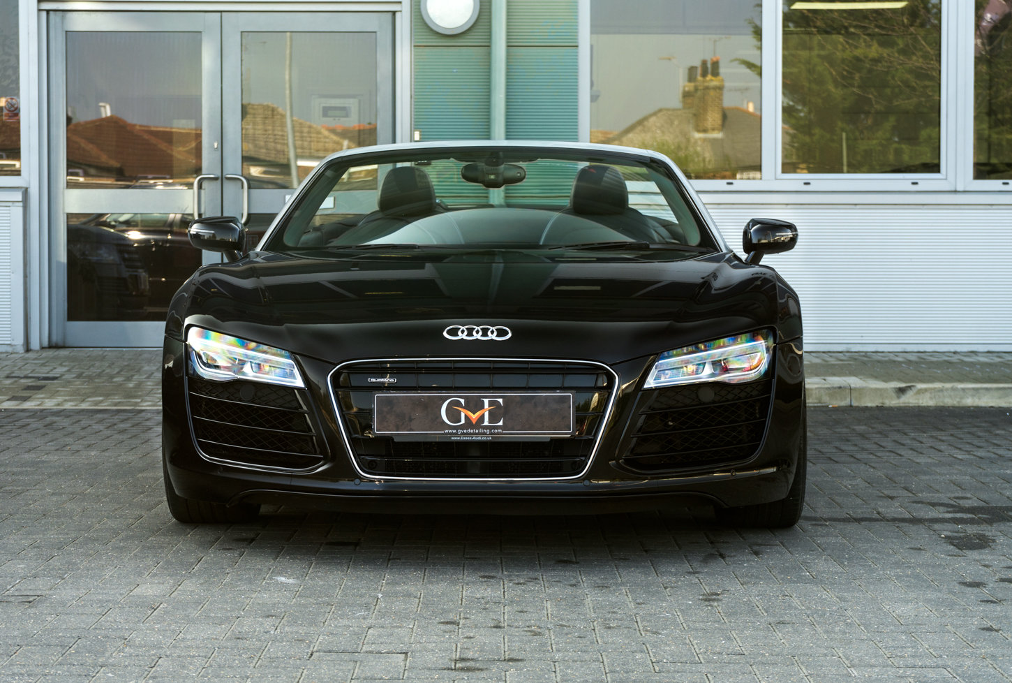 AUDI R8 SPYDER 2013 SOLD (picture 3 of 6)