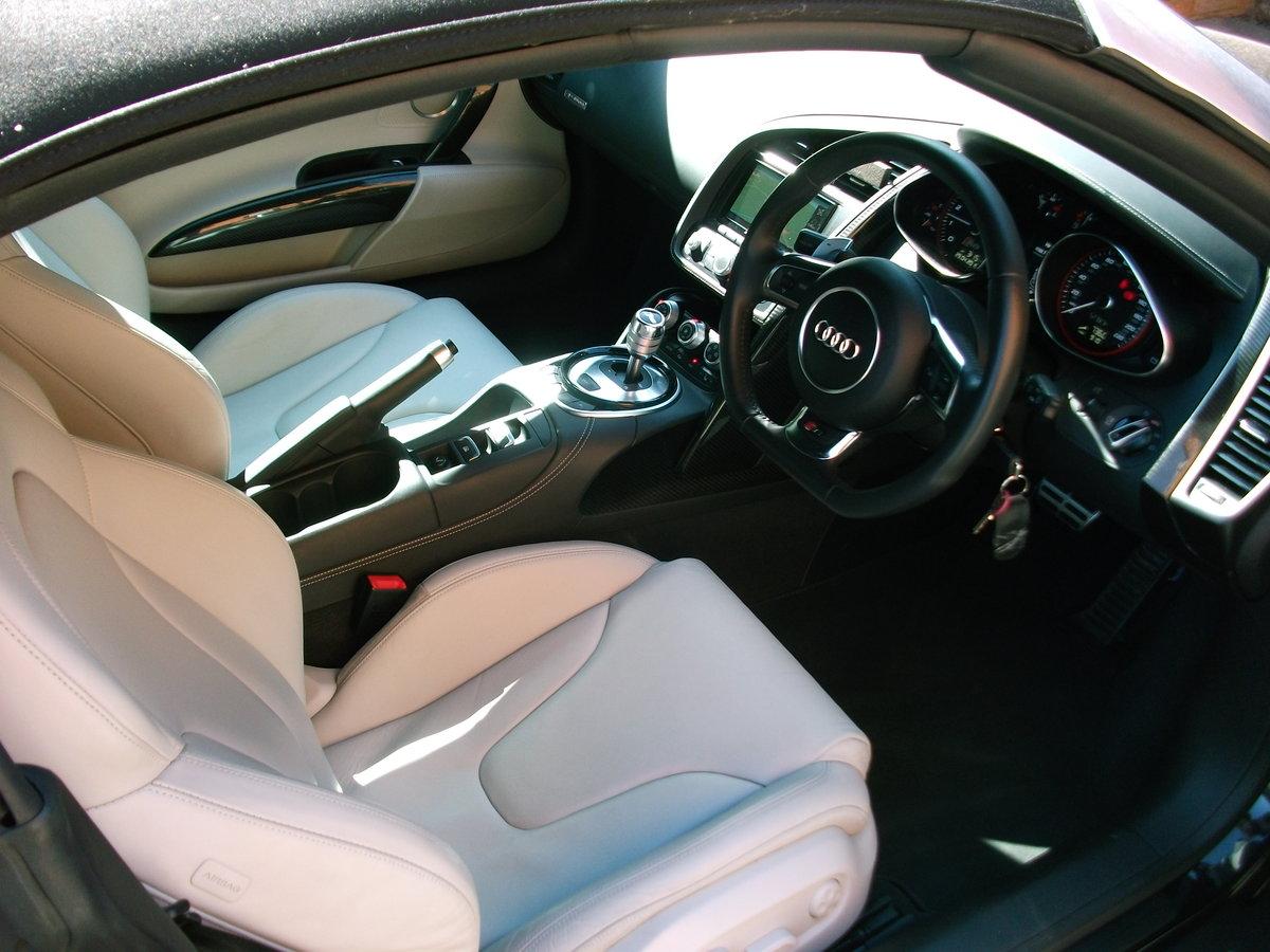 2015 Audi R8 Spyder 5.2 FSi Quattro V10 For Sale (picture 4 of 6)