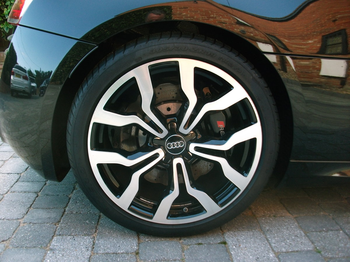 2015 Audi R8 Spyder 5.2 FSi Quattro V10 For Sale (picture 6 of 6)