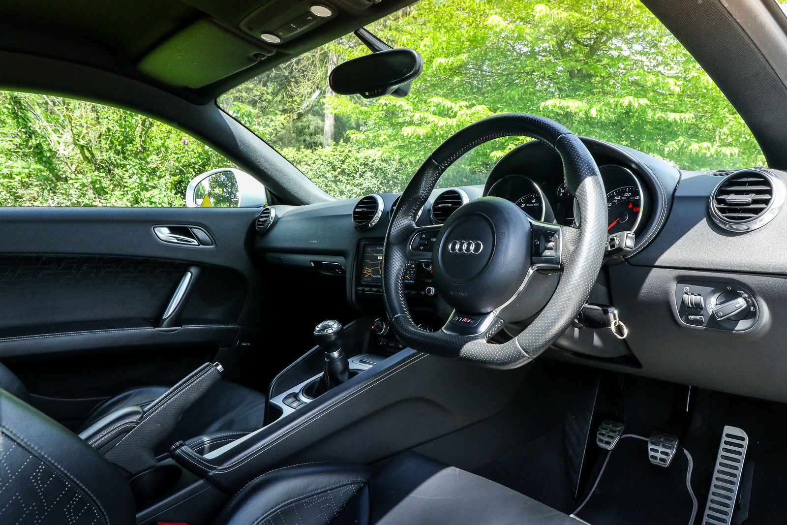 2009 Audi TTRS Sepang Blue Recaro Wingback Seats Manual For Sale (picture 3 of 6)