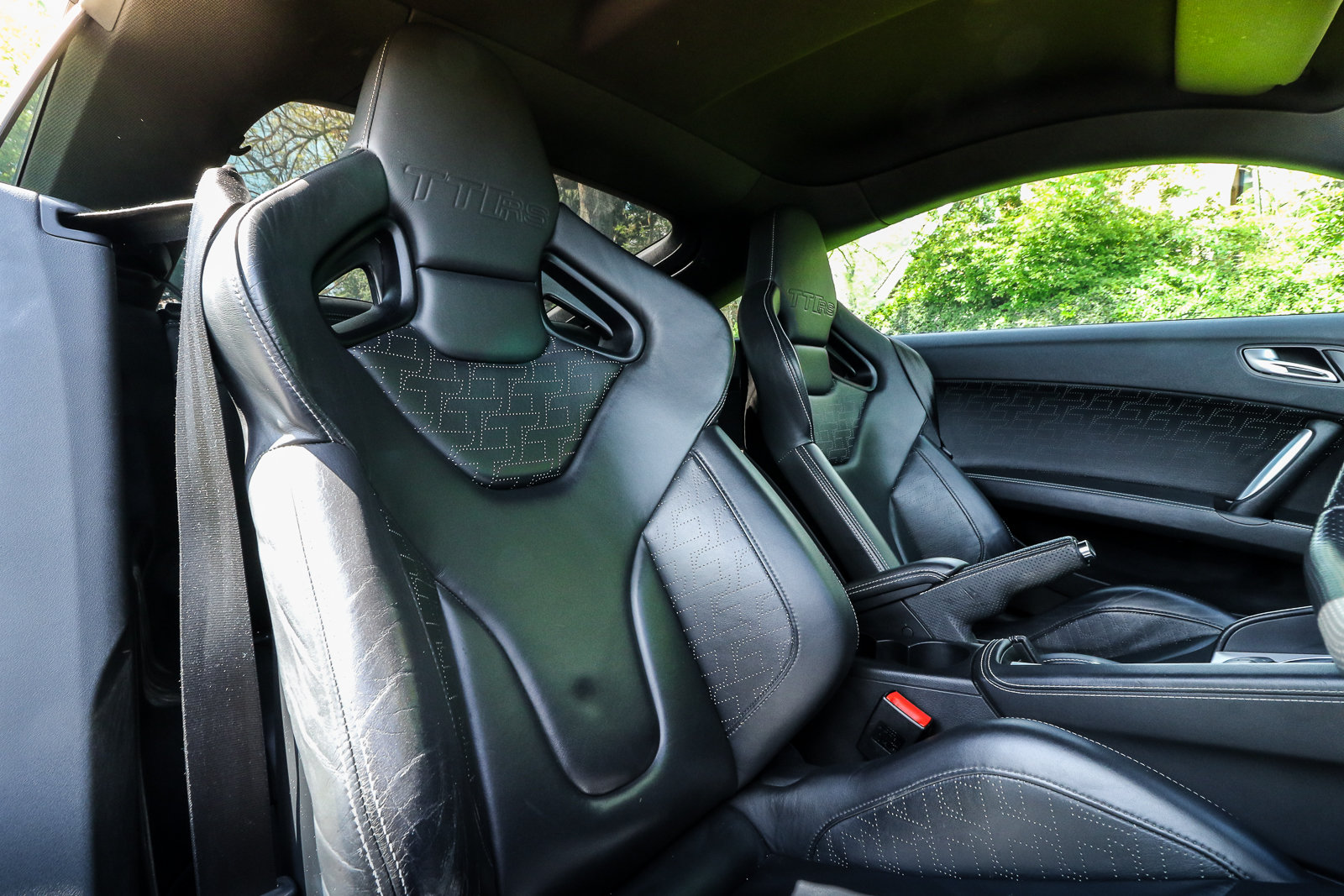 2009 Audi TTRS Sepang Blue Recaro Wingback Seats Manual For Sale (picture 4 of 6)