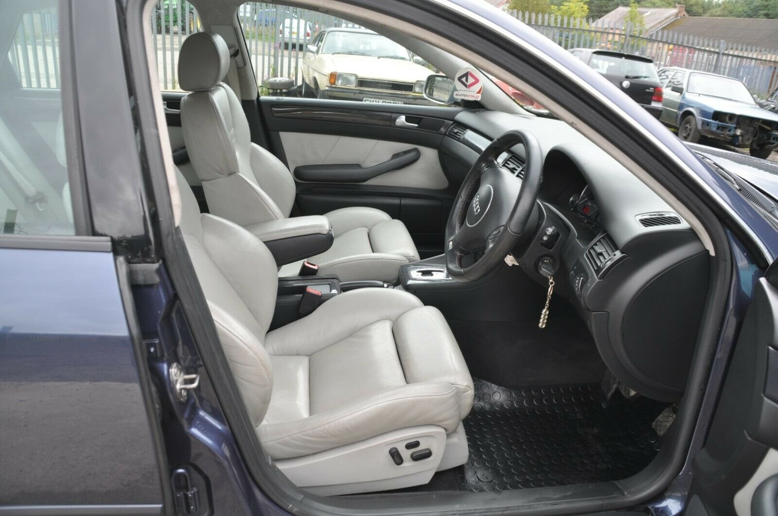 2002 AUDI S6 LOW MILES LEATHER RECAROS BOSE STAINLESS EXHAUSAUST For Sale (picture 3 of 6)
