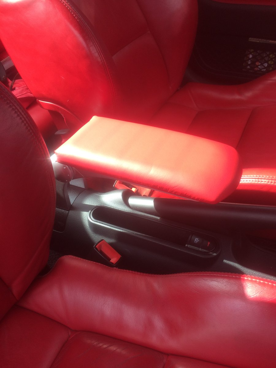 2004 3.2 DSG Rare Factory White + Red Leather For Sale (picture 6 of 6)
