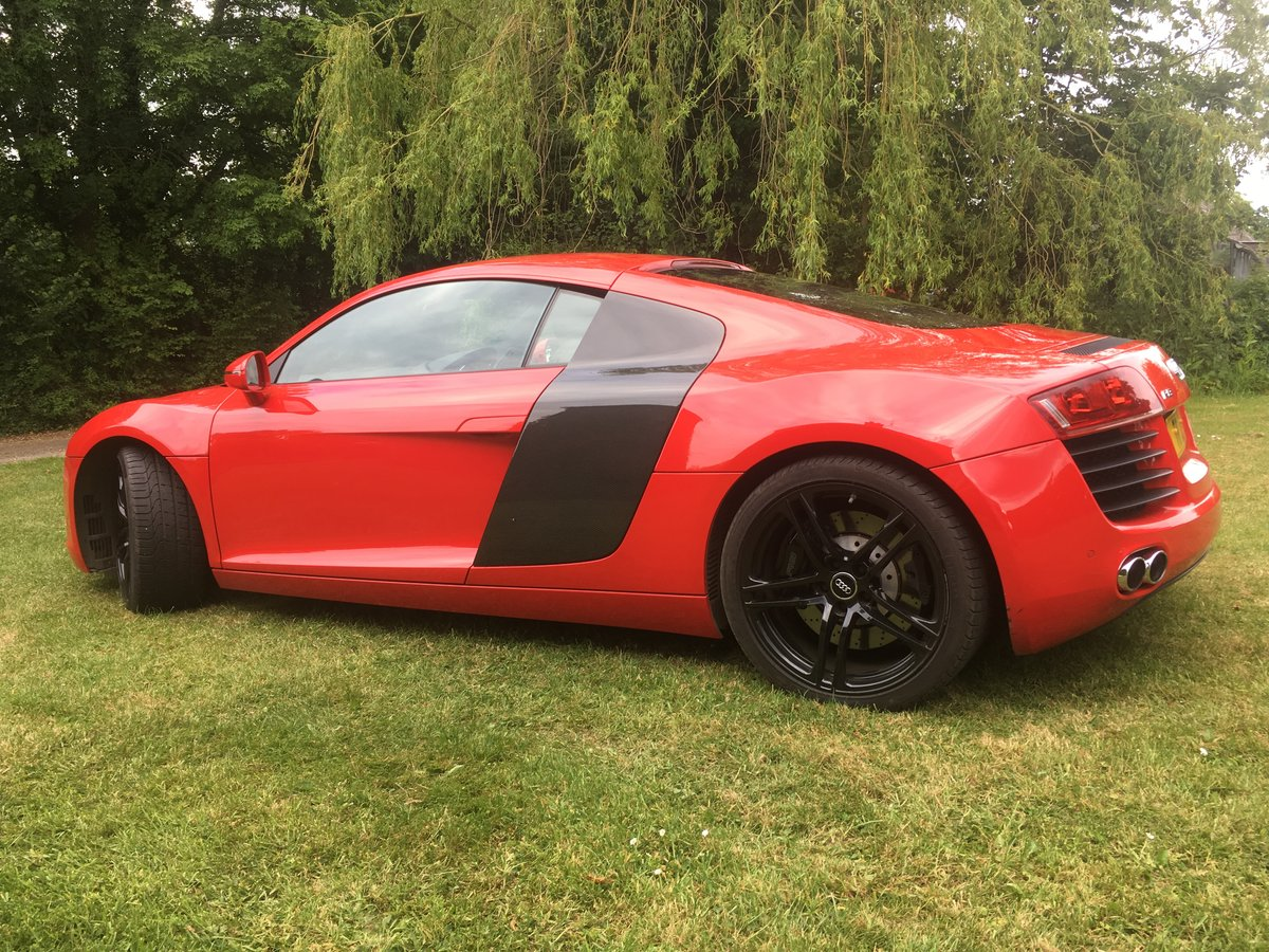 Audi R8 4.2 V8 2011 For Sale (picture 2 of 5)