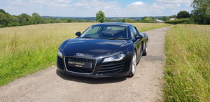 2010 AUDI R8 MANUAL COUPE - WITH A FULL AUDI SERVICE HISTORY