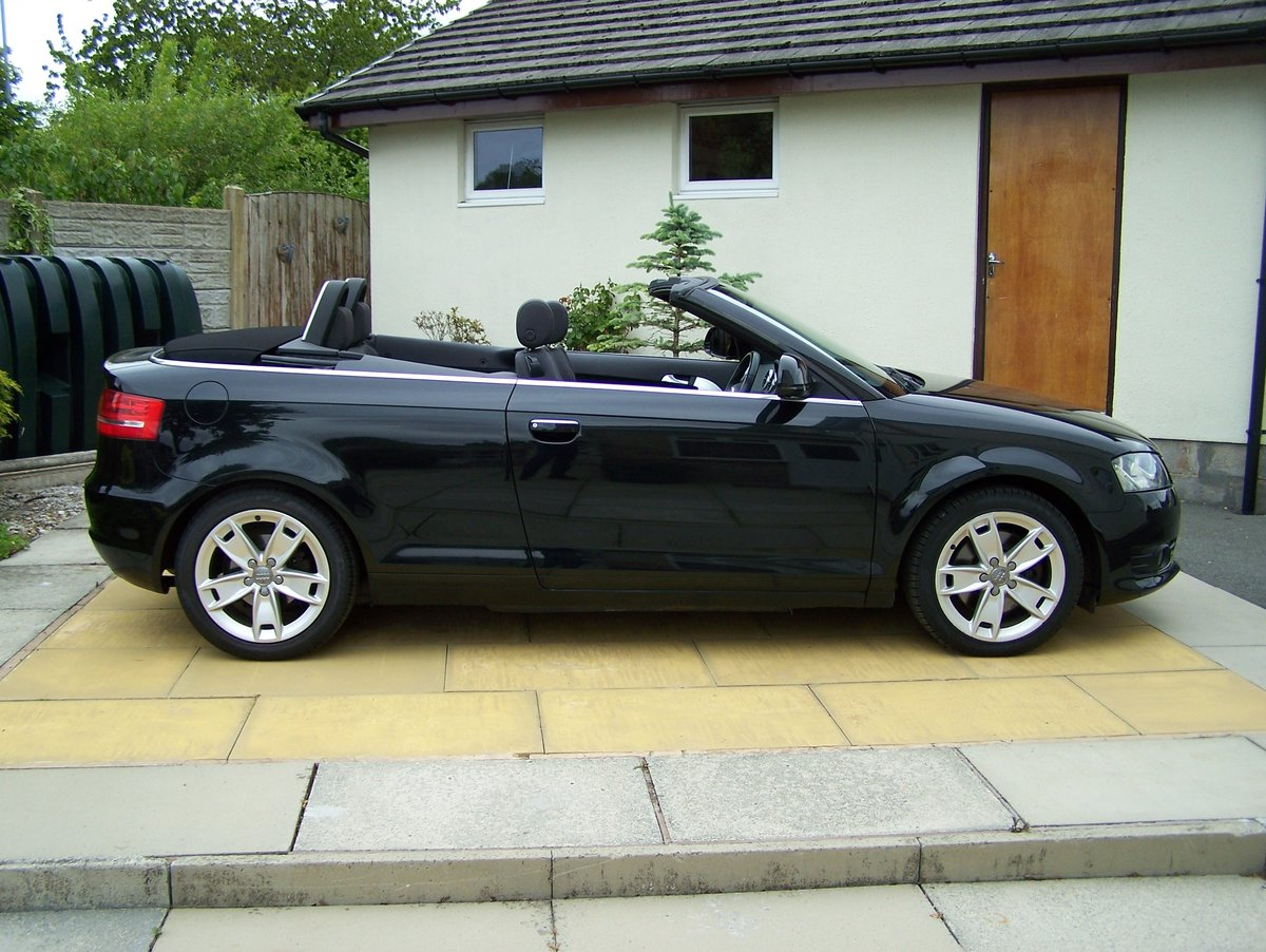 EXCELLENT 2010 AUDI A3 2.0 SPORT TFSI  CONVERTIBLE FSH       SOLD (picture 1 of 6)