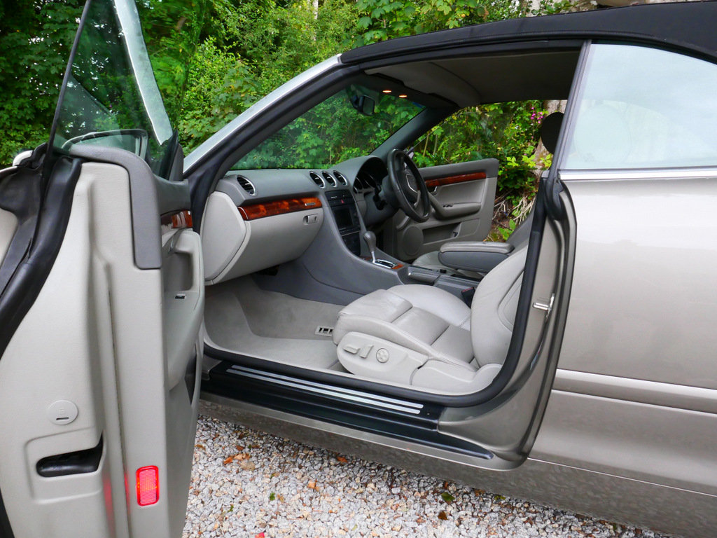 2006 Immaculate one owner A4 Sport Quattro TDI V6 auto For Sale (picture 5 of 6)